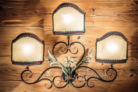 Applique a 3 luci con stelle alpine - in ferro battuto decorato a mano