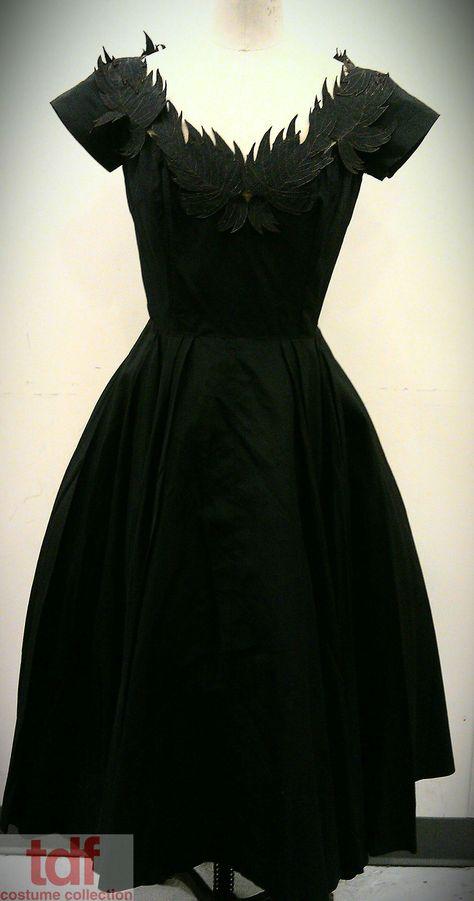 Beautiful Vintage Dress.  www.tdf.org/costumes