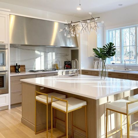 Deane Inc Kitchens By Deane On Instagram She Said Chic Tada Designed By Pete Deane For A Repeat Client In Darien Repeatcl In 2020 Dream Kitchen Kitchen Design