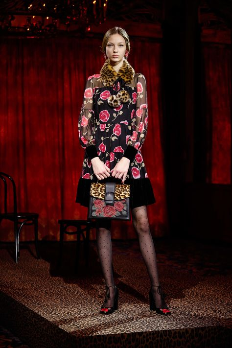 See the complete Kate Spade New York Fall 2017 Ready-to-Wear collection.