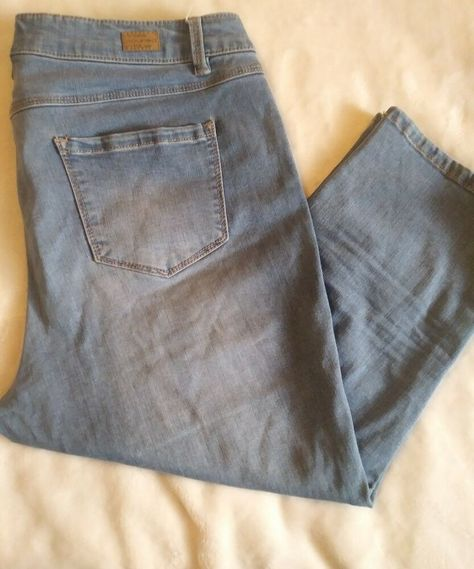 Miss Poured In Blue Capri Jeans Size 12 Fashion Clothing Shoes Accessories Womensclothing Jeans Ebay Link Size 12 Jeans Capri Jeans Jeans