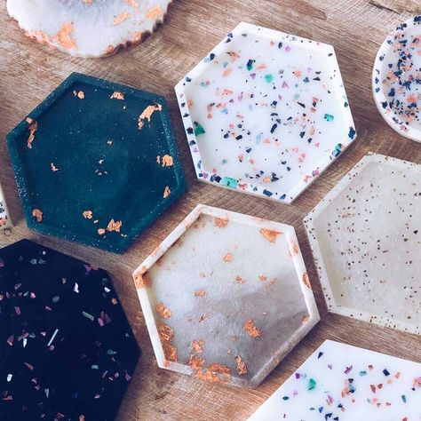 Resin Coasters — Champagne Grit – Stuff to make with mum – epoxycraft Diy Resin Art, Epoxy Resin Art, Diy Resin Crafts, Diy Art, Diy And Crafts, Arts And Crafts, Diy Epoxy, Diy Resin Mold, Resin Molds