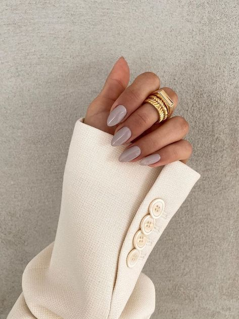 @lauralabee, spring fashion, spring trends, spring style, beauty, nails, nail polish, manicure, gel nail polish #manicure #nails #springnails
