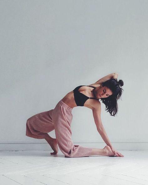 Modern Dancing Poses Passion 62 Ideas For 2019 Dance Photo Shoot, Dance Photos, Dance Pictures, Jazz Dance Poses, Dancers Pose, Dance Art, Dance Music, Dance Outfits, Dance Dresses