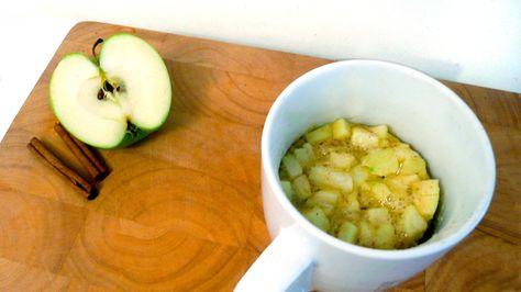 Ingrédients : 30g de beurre 3 cuillères à soupe de sucre 1 oeuf 2 cuillère à soupe de lait 4 cuillère à soupe de farine 1 pincée de levure 1 pincée de cannelle 1/2 pomme Préparation : Faire fondre le beurre dans un Mug (1min au micro-ondes à 750W). Ajouter le sucre et mélanger. Casser …