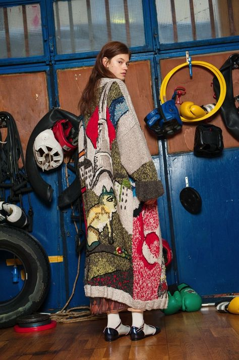Stella Jean Pre-Fall 2017 collection, runway looks, beauty, models, and reviews.