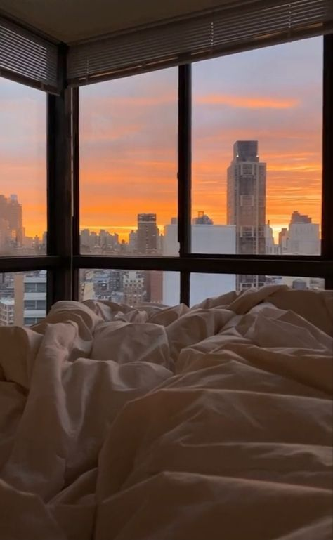 City View Apartment, Dream Apartment, Toronto Apartment, New York Life, Nyc Life, City Aesthetic, Aesthetic Bedroom, Blue Aesthetic, Apartamento New York