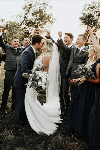 100 Must Have Wedding Photos Ideas Tips Wedding Forward Bridal Party Photos Group Shots Wedding Party Poses Wedding Parties Pictures