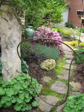 Jan S Garden In Ohio Click Through To Read More About This Garden Fine Gardening Garden Fine Gardening Magazine