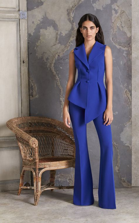 Get inspired and discover Safiyaa trunkshow! Shop the latest Safiyaa collection at Moda Operandi. Safiyaa, Crochet Halter Tops, Couture Collection, Jumpsuits For Women, Formal Wear, African Fashion, Peplum Dress, Evening Dresses, Trousers
