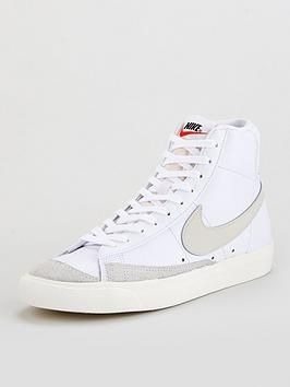 Estribillo cargando No es suficiente  Blazer Mid '77 - White in 2020 | Nike blazer, Trending shoes, Shoes