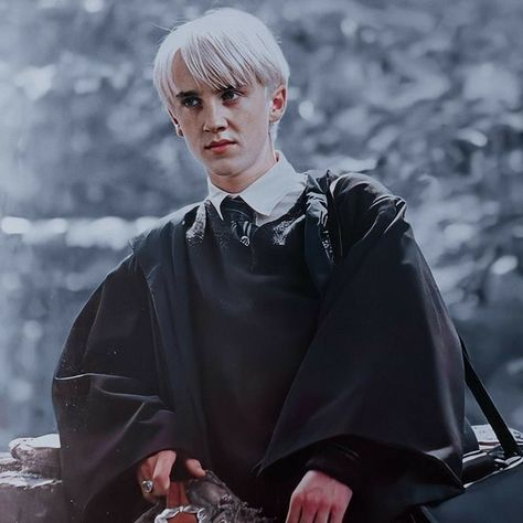 Draco Harry Potter, Harry Potter Icons, Mundo Harry Potter, Harry Potter Characters, Harry Pptter, Draco Malfoy Aesthetic, Slytherin Aesthetic, Hogwarts, Drako Malfoy