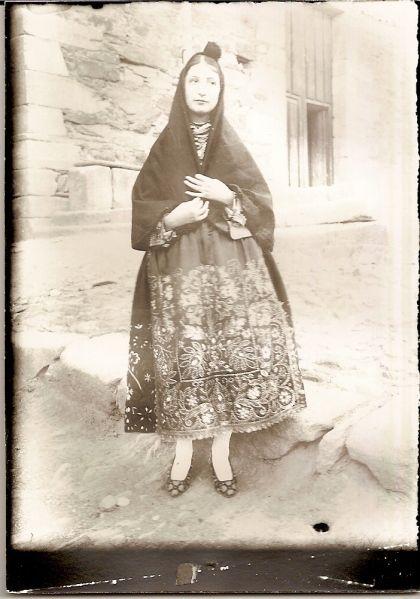 Fotos Modelo Femenino Sejas De Aliste 1928 Carbajales De Alba 1930 Modelos Femeninos Modelos Femenina