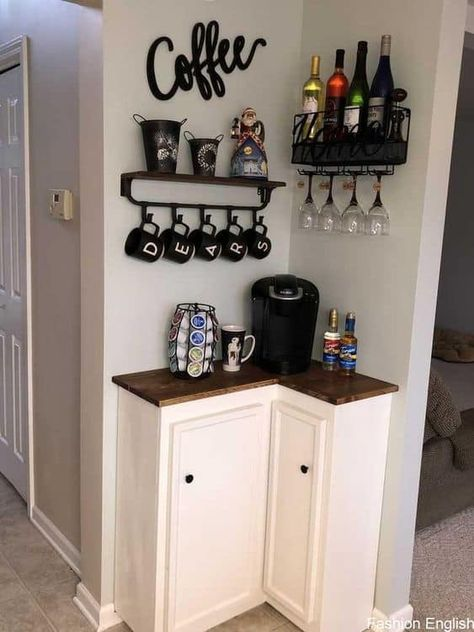 100 Best DIY Coffee Bar Ideas For All Coffee Lovers – Decoration ideen Coffee Bar Design, Coffee Bar Home, Home Coffee Stations, Coffee Corner, Coffee Art, Coffee Nook, Cozy Coffee, Small Apartment Decorating, Decorating On A Budget