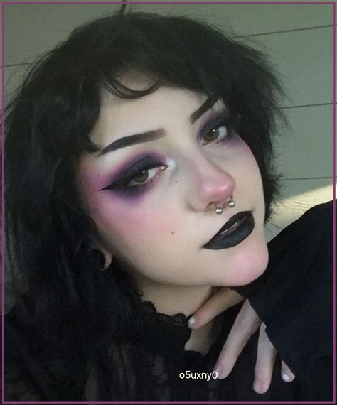 Punk Makeup, Makeup Art, Beauty Makeup, Goth Eye Makeup, Makeup Style, Black Goth Makeup, Tomboy Makeup, Pastel Goth Makeup, Dark Makeup Looks