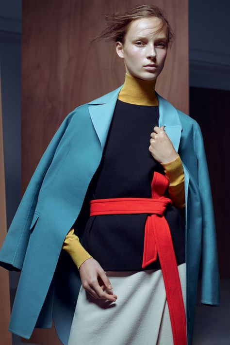 Inside January Vogue  Neatly cut tailoring in a rainbow of block colours is the perfect foundation for your new year wardrobe. Lucinda Chambers and Karim Sadli capture Julia Bergshoeff for her first solo Vogue shoot, Be Precise.