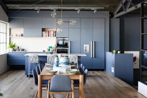 How to create good flow in your home design Moretti Blog •  June 13, 2018 Designing a room is never an isolated project to carry on. Usually before thinking how to design a specific room we need to look at its surrounding. The
