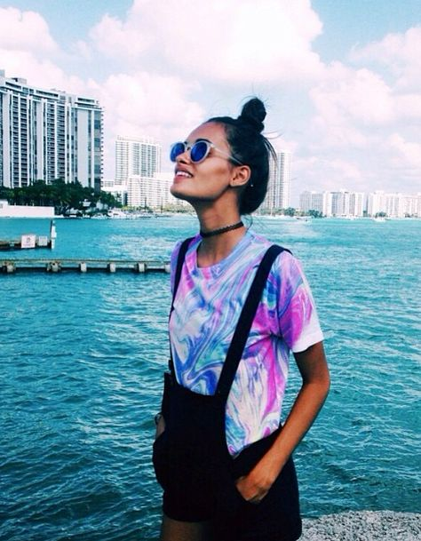 The colorful shirt just makes the whole outfit. It's v cute and makes you stand out a lot more