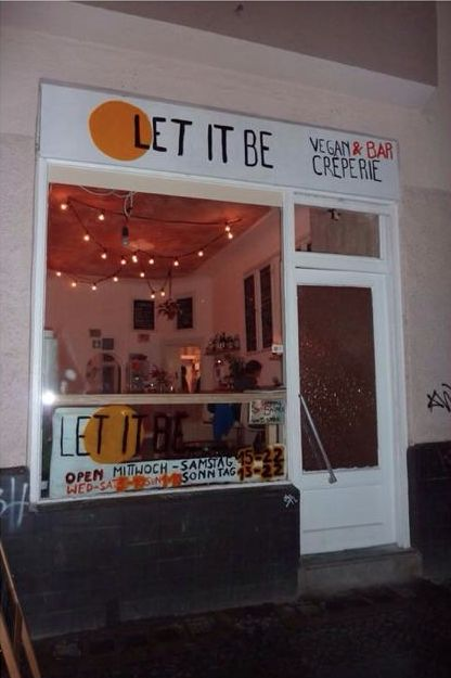 Let It Be - Vegan Crêperie   Burger Bar in Berlin-Neukölln SPOTS - vegane küche berlin