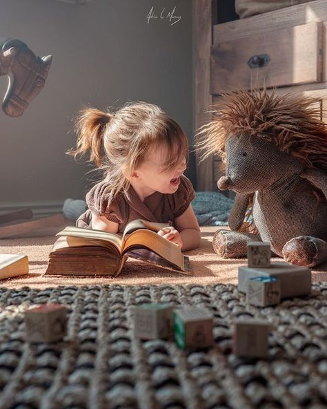 This image makes me so happy! Toddler mamas definitely get a photo of your little one playing with their best friends!
