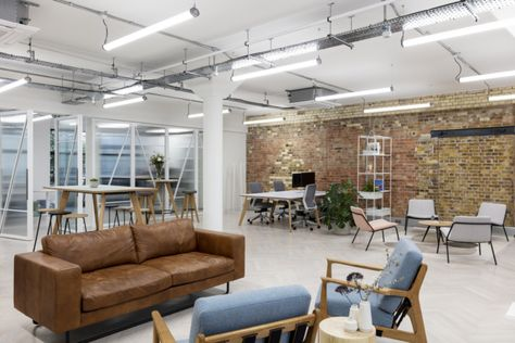 Workstories Offices And Showroom London Office Snapshots Office Interior Design Interor Design Interior Design Furniture