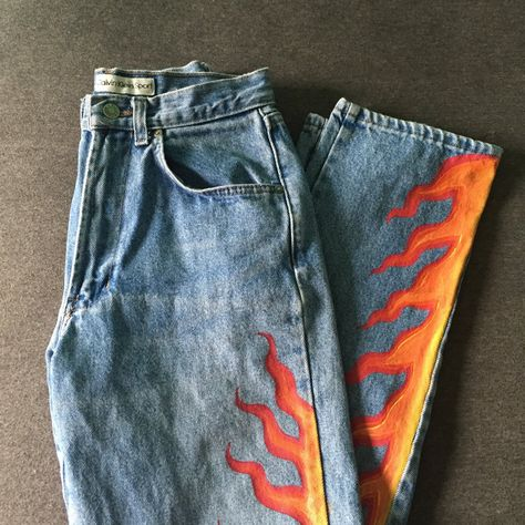Painted jeans ✨✨ON HOLD✨✨ Vintage hand-painted Calvin Kleins🔥🔥🔥 . - Depop✨✨ON HOLD✨✨ Vintage hand-painted Calvin Kleins🔥🔥🔥 Flames - fantastic DIY ways to transform your fantastic DIY ways to transform your jeans, fantastic jeans Painted Denim Jacket, Painted Jeans, Painted Clothes, Hand Painted, Diy Clothes Paint, Painted Shorts, Diy Fashion, Ideias Fashion, Fashion Outfits