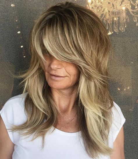 I did this cut and color 3 years ago. modern shag, curtain bangs and balayage . - I did this cut and color 3 years ago. modern shag, curtain bangs and balayage forevaaa! Feathered Hair Cut, Feathered Hairstyles, Medium Hair Cuts, Medium Hair Styles, Long Hair Styles, Modern Hairstyles, Pretty Hairstyles, Full Fringe Hairstyles, Long Shag Hairstyles