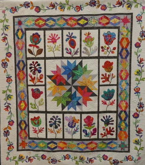 Find A Quilter In Texas At Quiltguilds Com Quilt Festival Quilt Guild Quilts
