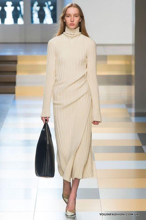 d483117fc33 Трикотажное платье миди с длинным рукавом