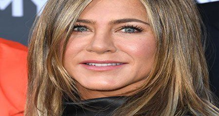 أن يناسب لون شعرك لون بشرتك الطبيعية لابد وأن يكون لون شعرك مناسب للون بشرتك الطبيعي وأيضا يناسب شكل وجهك ولون عينيكي Hair Secrets Hair Hollywood Actresses