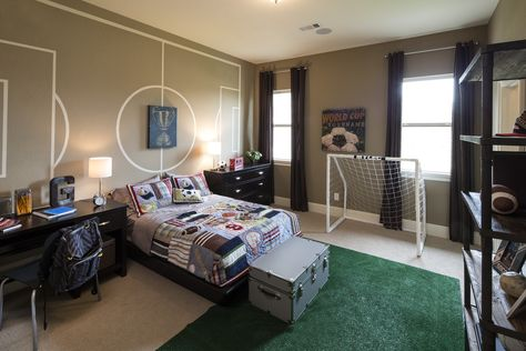 Creative soccer themed bedroom (Sandhaven Bordeaux - Sienna Plantation, TX)