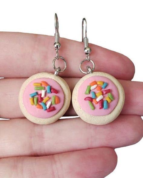 Weird Jewelry, Cute Jewelry, Funky Jewelry, Jewlery, Diy Clay Earrings, Funky Earrings, Polymer Clay Charms, Polymer Clay Jewelry, Mode Halloween