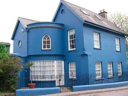 Casa pintada del cruz azul
