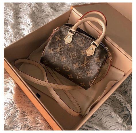 Luxury Purses, Luxury Bags, Luxury Handbags, Louis Vuitton Taschen, Aesthetic Bags, Accesorios Casual, Cute Purses, Cute Bags, Louis Vuitton Speedy Bag
