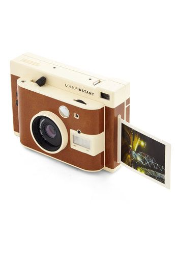 Shoot breathtaking photos and share them on the spot with this Lomography instant camera.