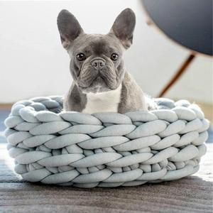 Winter Yarn Dog Bed Bulldog Frances