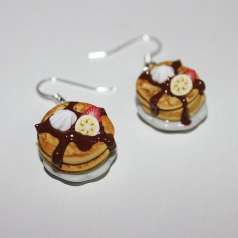 Pancake earrings - Food earrings - Kawaii earrings very cute pancake earrings in polymer clay, with yummi chocolate sauce and slices of fruits , on a