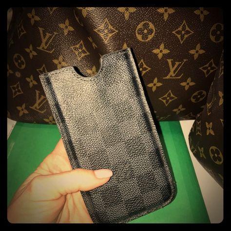 376178afd2e4 Louis Vuitton Damier Graphite iPhone 6 Case Authentic Louis Vuitton Damier  Graphite iPhone 6 hard case. Fits iPhone 6 6S (NOT plus!)