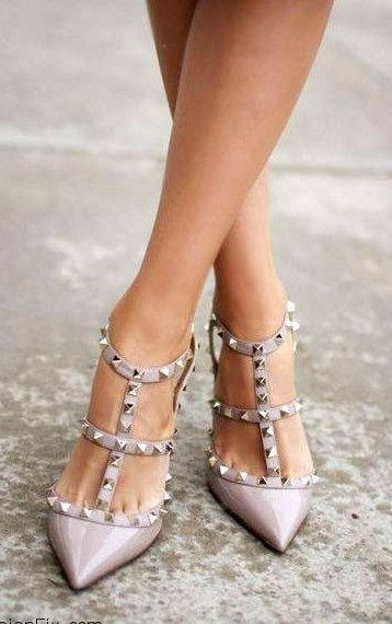 8b9ab48b853 Studded. | Shoes Shoes Shoes | Valentino rockstud shoes, Rockstud ...