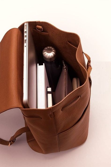 My Bags, Purses And Bags, Inside My Bag, Work Bags, Work Purse, Accesorios Casual, What In My Bag, Girls Bags, Bag Organization