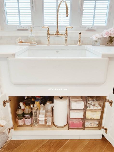 Kitchen Organization Pantry, Home Organisation, Diy Kitchen Storage, Bathroom Organization, Kitchen Sink Decor, House Organization Ideas, Bathroom Sink Decor, Kitchen Pantry, Organizing Ideas For Kitchen