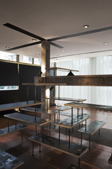 Gallery of American Apparel Showroom / Emmanuel Picault + Ludwig Godefroy  Architects - 3 | Showroom, American apparel and Architects