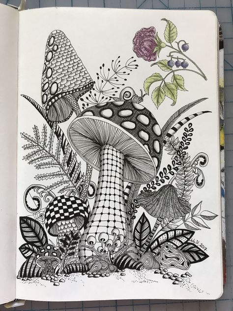 Mushroom zentangle in 2019 рисунки, медитативные у Doodle Art Drawing, Zentangle Drawings, Zentangle Patterns, Art Drawings Sketches, Zentangles, Zentangle Art Ideas, Zen Doodle, Mushroom Drawing, Mushroom Art