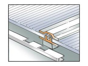 Realiser Un Toit En Panneaux De Polycarbonate Toiture Livios Toiture Polycarbonate Toiture Veranda Toiture Terrasse