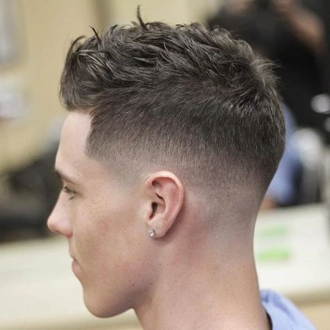 25 Popular Haircuts For Men that Attract Girls #Conventional #men #haircut #fashion#menfashion
