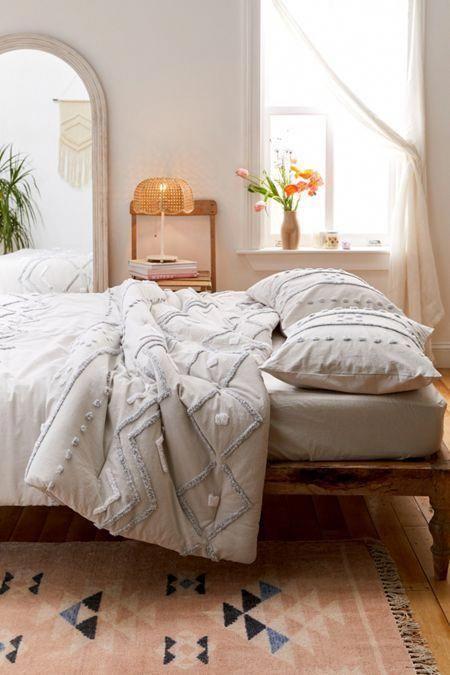 Best Affordable Bedding Sets Magnificentbedroomideas Info 7555919428 Coolbeddingsets In 2020 Boho Bedroom Design Bedding Master Bedroom Bedroom Decor