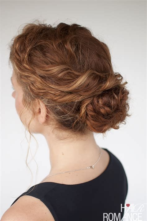 The Best Curly Hairstyle Tutorials For Frizzy Hair Hair Long Curly Haircuts Hair Tutorial Hair Romance