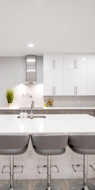 This Ikea Kitchen In Florida Uses Sektion Cabinets And Our High Gloss Pure White Acrylic Fronts White Ikea