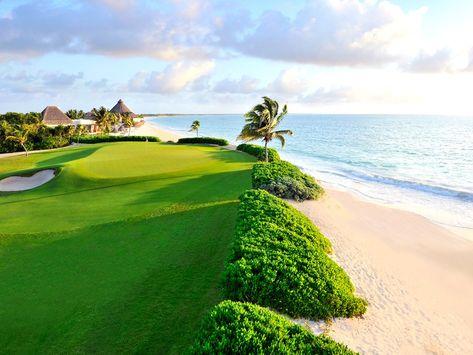 8 Shockingly Beautiful Golf Courses