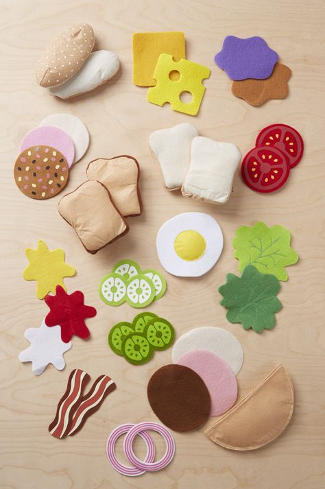 Use These Free Felt Food Patterns to Make Great Handmade Gifts for a ChildUse These Free Felt Food Patterns to Make Great Handmade Gifts for a ChildFelt Play Food - Sandwich Set felttoys Felt Play Diy And Crafts, Crafts For Kids, Simple Crafts, Clay Crafts, Sewing Crafts, Sewing Projects, Felt Food Patterns, Felt Play Food, Felt Diy